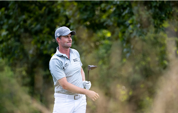 Webb Simpson Leads at TheGreenbrier