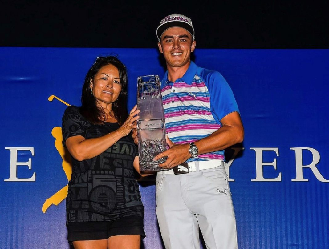 Rickie Fowler poses with his mother